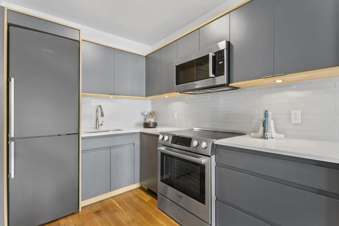 Kitchen at The Lawrence - 520 Parkside Avenue
