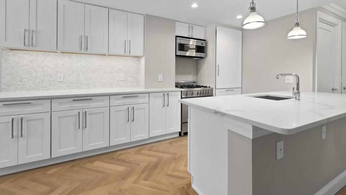 Kitchen at Lexington Towers - 160 East 88th Street