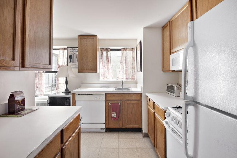 Apartments fot rent at Plaza East - Kitchen