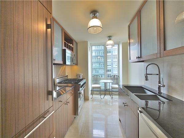 250 East 53rd Street Kitchen - Luxury Rentals Turtle Bay