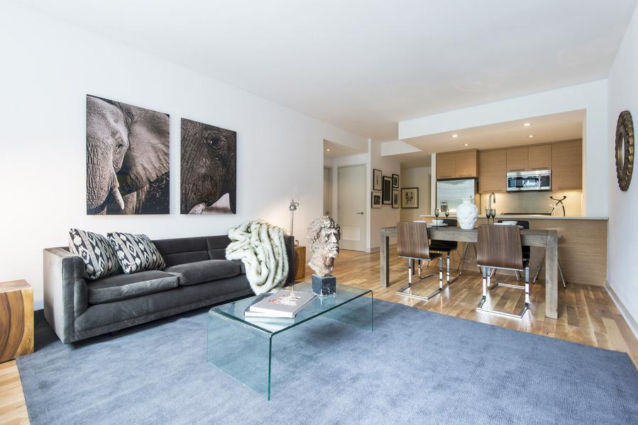 Living Room 64 Bayard Street - Rentals Brooklyn