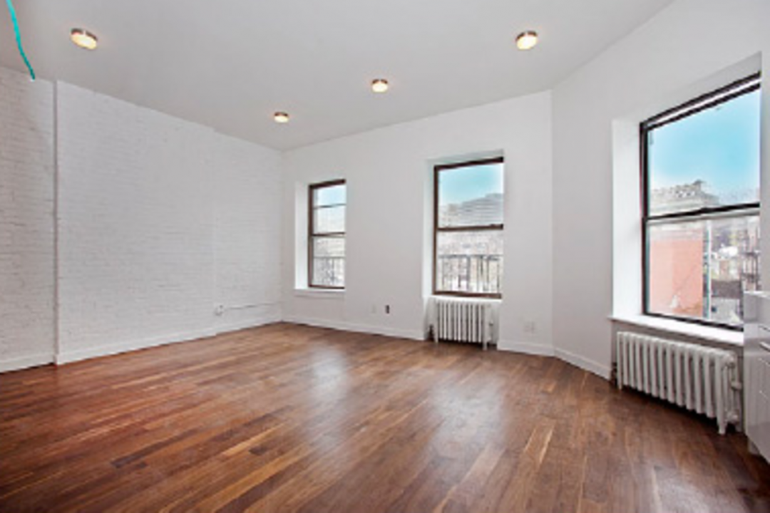 Living Room - West Village - Manhattan - New York City - Apartment For Rent