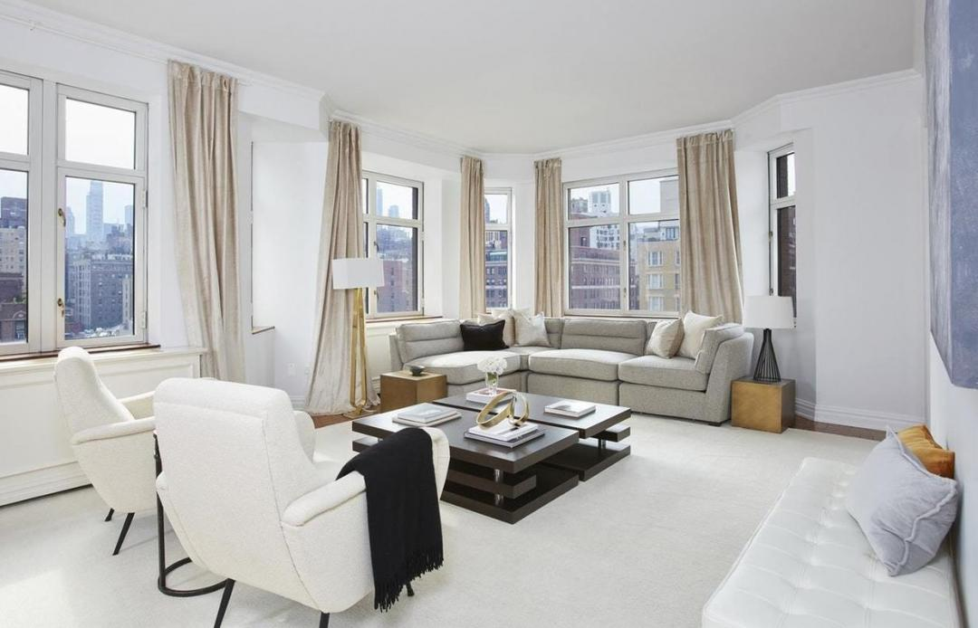 Living Room at The Siena - 188 East 76th Street