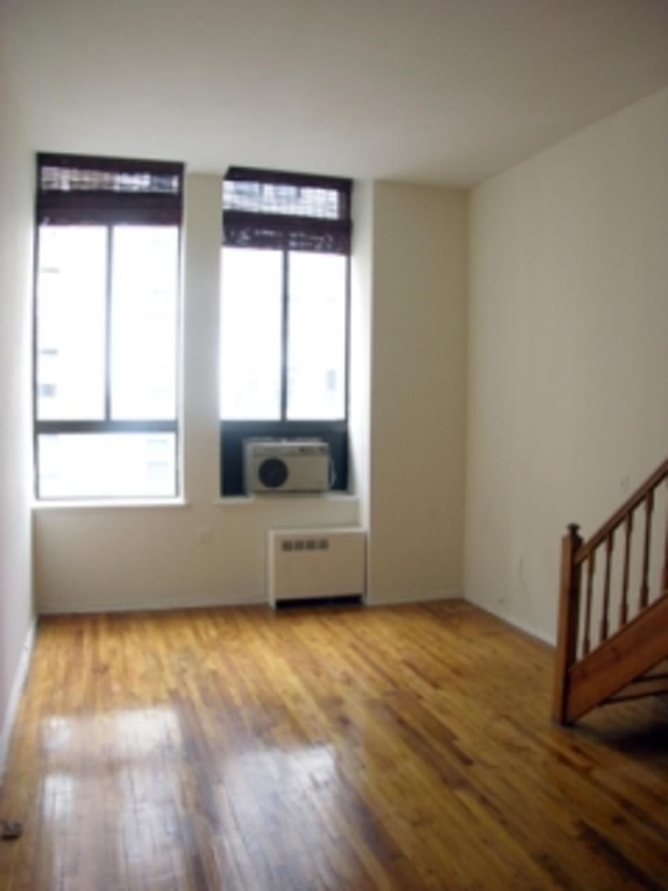 295 Park Avenue South Living Room - Gramercy Park Rental Apartments