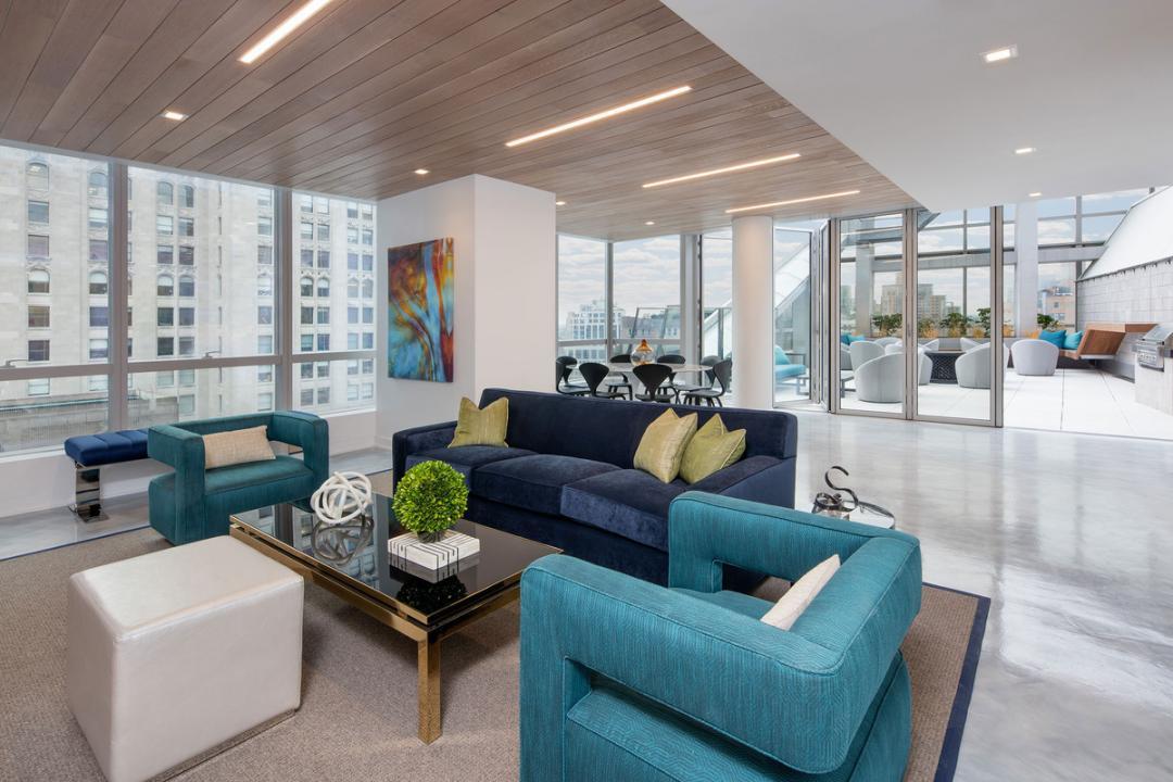 Lounge at 400 Park Avenue South
