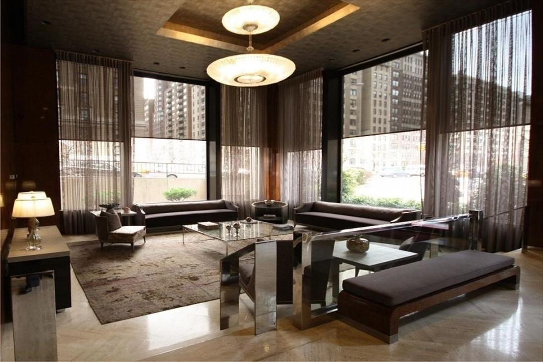 Lounge at 900 Park Avenue
