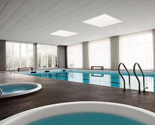 515 East 72nd Street Pool - Manhattan New Condos