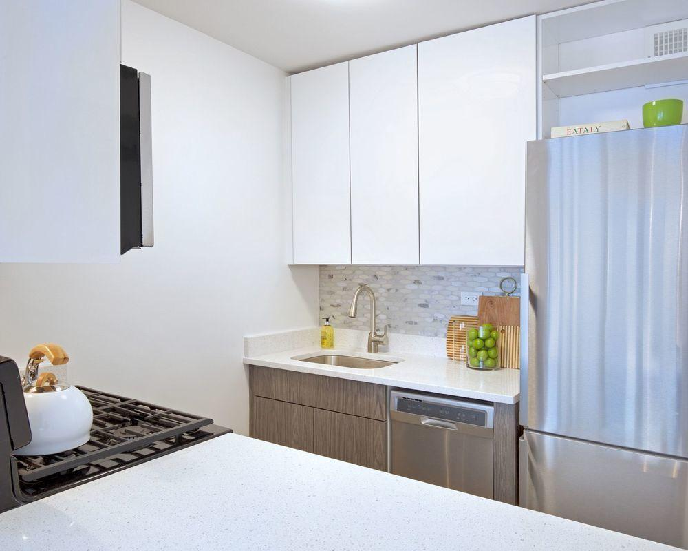 Apartments for rent at Murray Hill Marquis - Kitchen