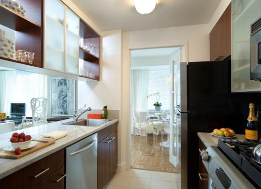 225 East 95th Street Kitchen - Manhattan Rental Apartments