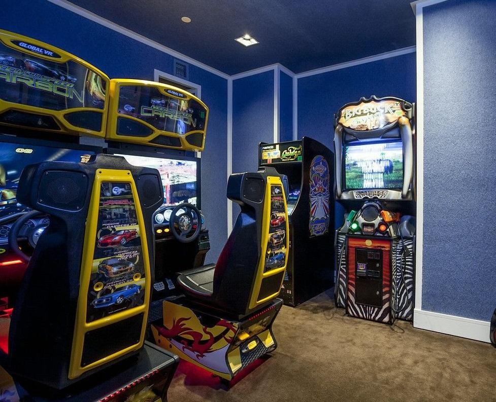 Game Room at New York Plaza in Manhattan