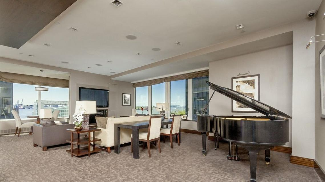 Rentals at 2 Water Street in Financial District - Club Room