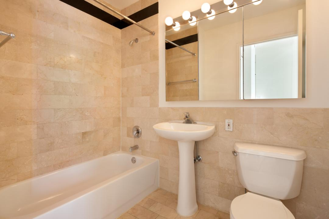 Bathroom at 1 West Street in NYC - Apartments for rent