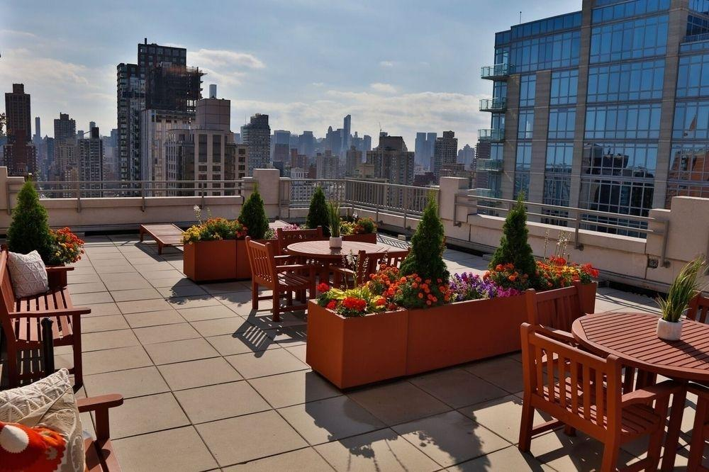 River East Roof Deck - Manhattan Apartments for rent