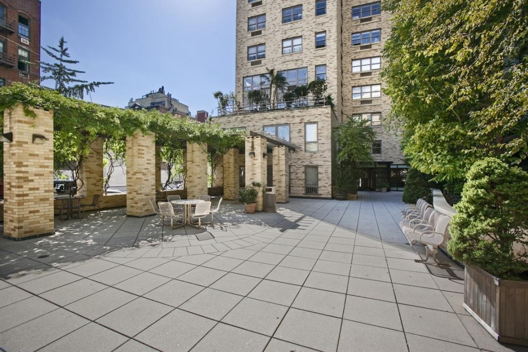 The Highline Roof Deck - Midtown East Apartment Rentals