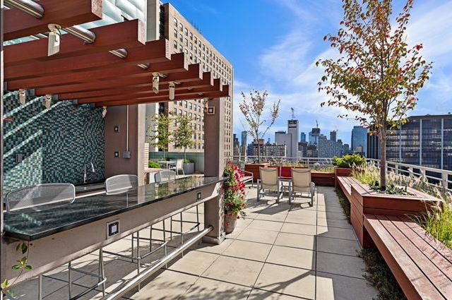 Rooftop Deck at The Hudson Condominiums - 225 West 60th Street