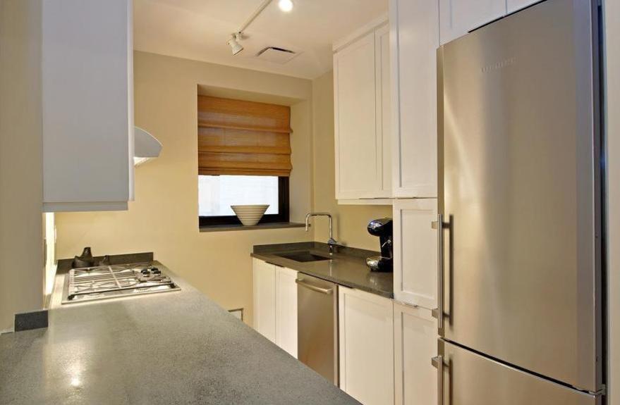 Kitchen - Rentals in Manhattan - 422W20