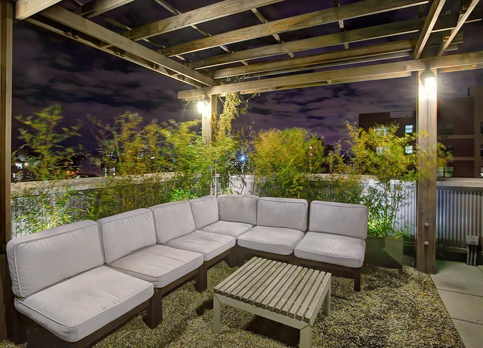 Rooftop Deck - Thirty-Fifty - Astoria