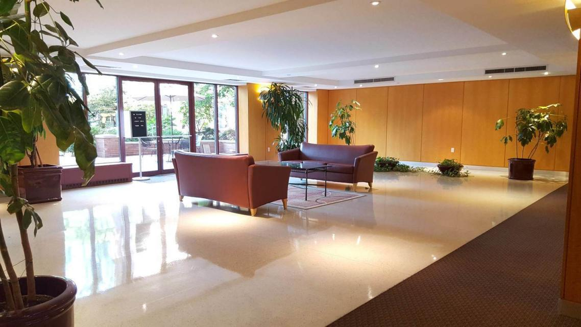 Apartments for rent at South Cove Plaza in Battery Park City - Lobby
