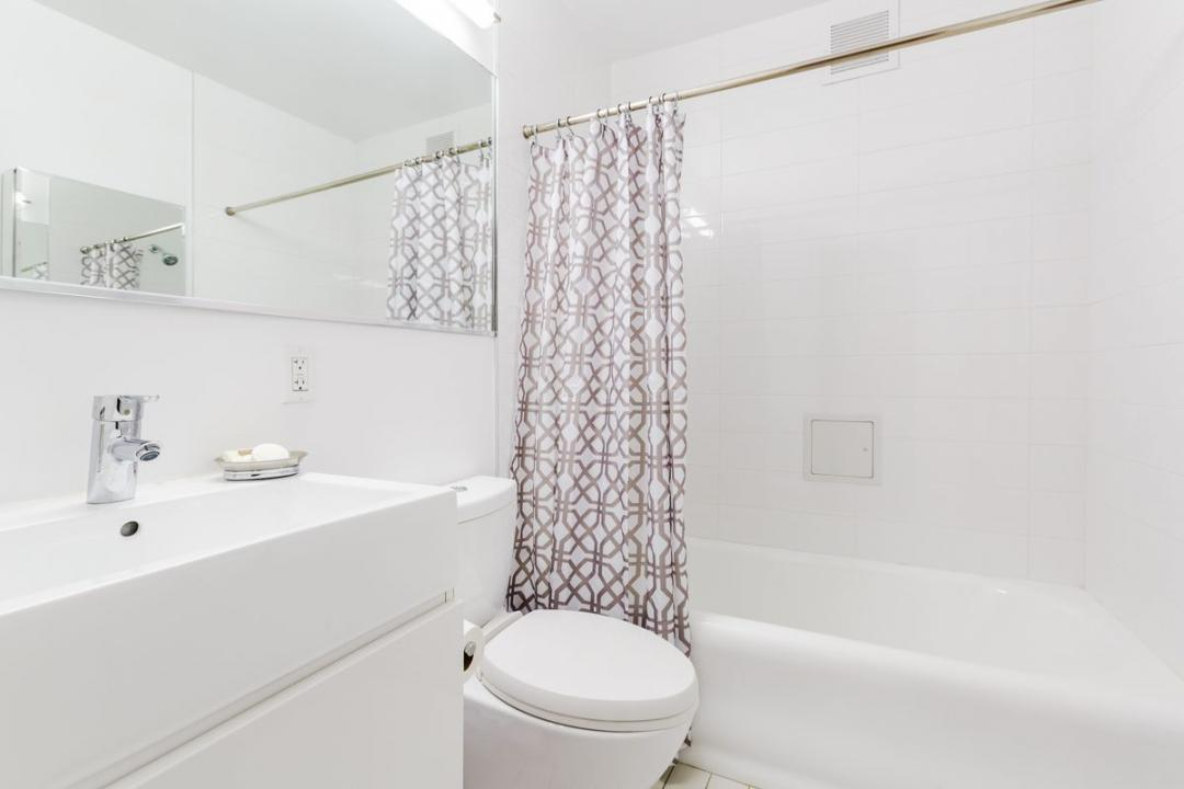 Apartments for rent at Stonehenge 57 - Bathroom
