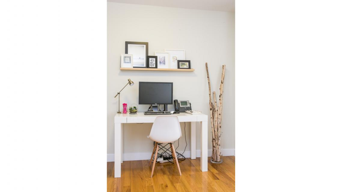 Office area at Stonehenge 57 - Aparments for rent in NYC