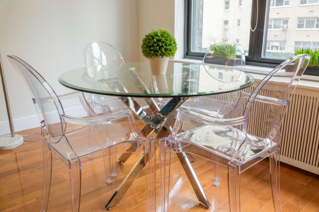 Dining area at Stonehenge 57 - Aparments for rent in NYC