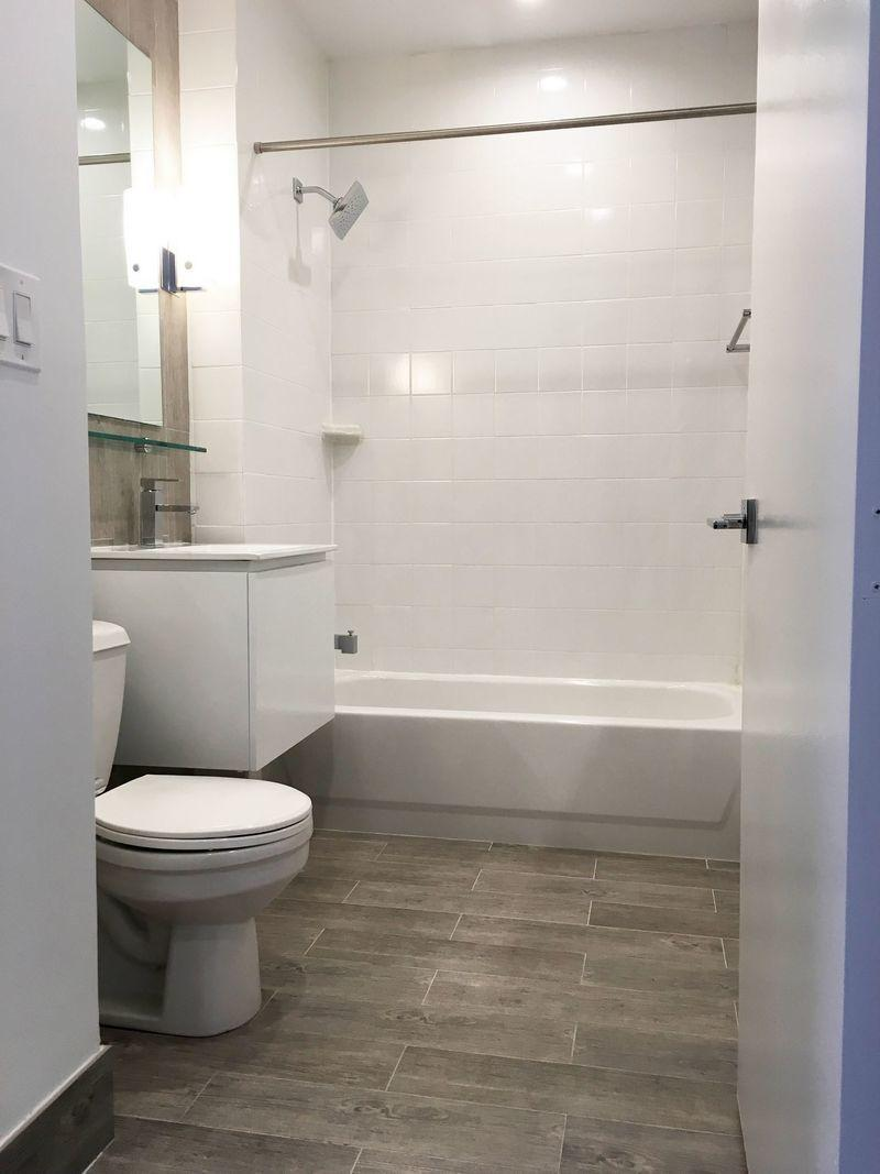 Apartments for rent at 53 Park Place in Manhattan - Bathroom
