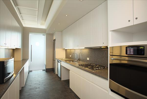 105 West 29th Street Kitchen – NYC Rental Apartments