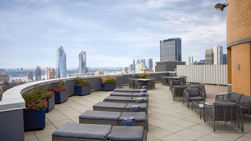 The Capitol at Chelsea Roofdeck - Manhattan Apartments for rent