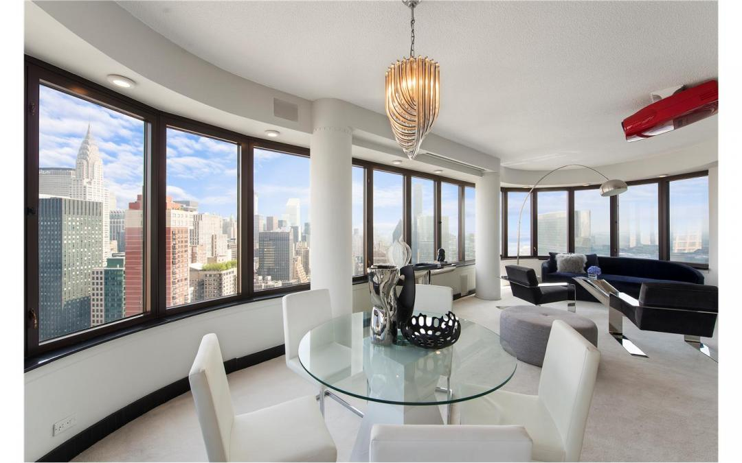 Apartments for rent at The Corinthian - Living and dining area