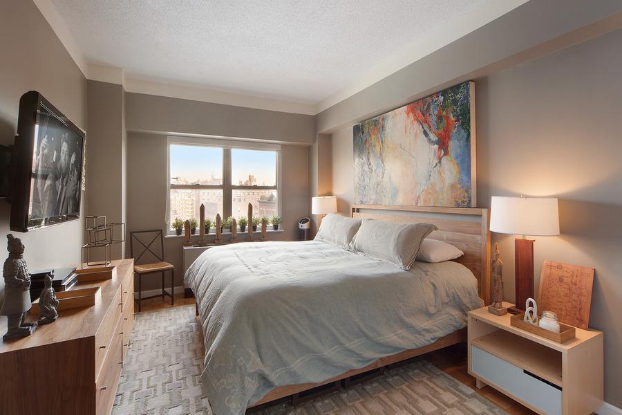 756 Washington Street Bedroom - Midtown East Rental Apartments