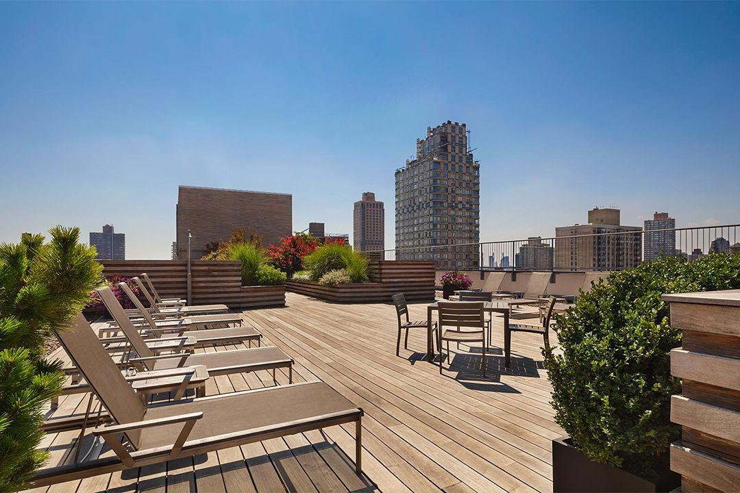 The Ventura rental building Roof Deck - NYC Flats