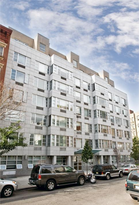 The Deco East Building – 222 East 3rd Street Apartments for Rent