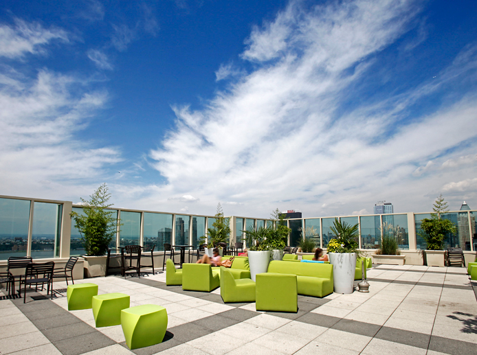 The Olivia Rooftop Deck - 315 West 33rd Street Luxury Renatls, NYC