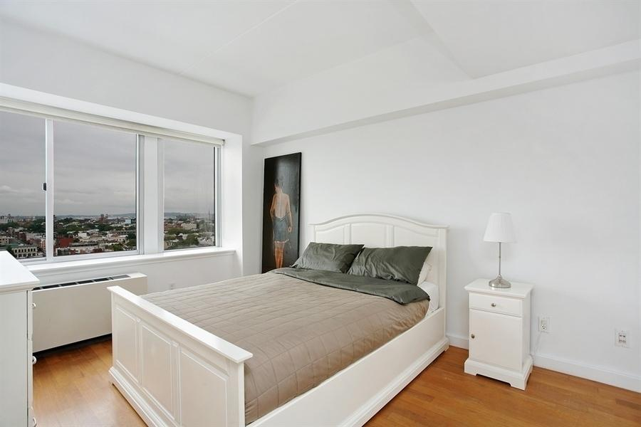 The Smith Brooklyn : 1 Bedroom Condominium Rental