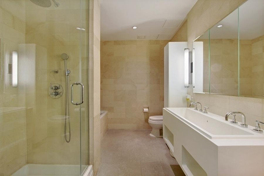The Smith Bathroom - Downtown Brooklyn Luxury Rental