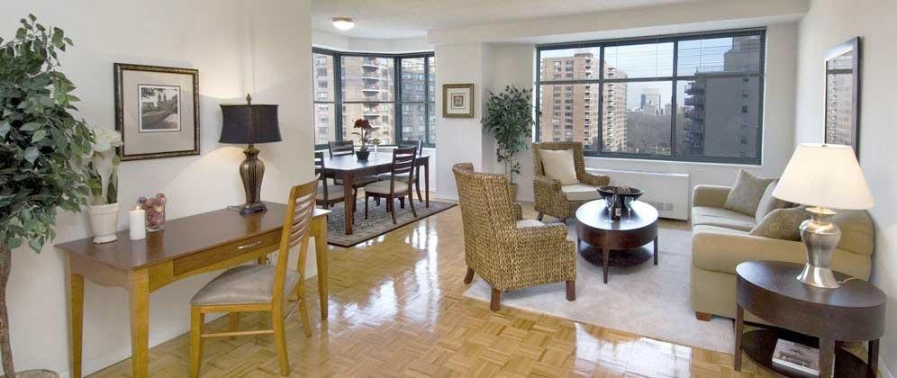 Rental Apartments at 730 Columbus Avenue Living Room