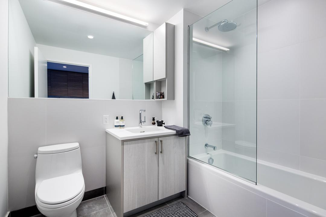 Apartments for rent at 223 North 8th Street in Williamsburg - Bathroom