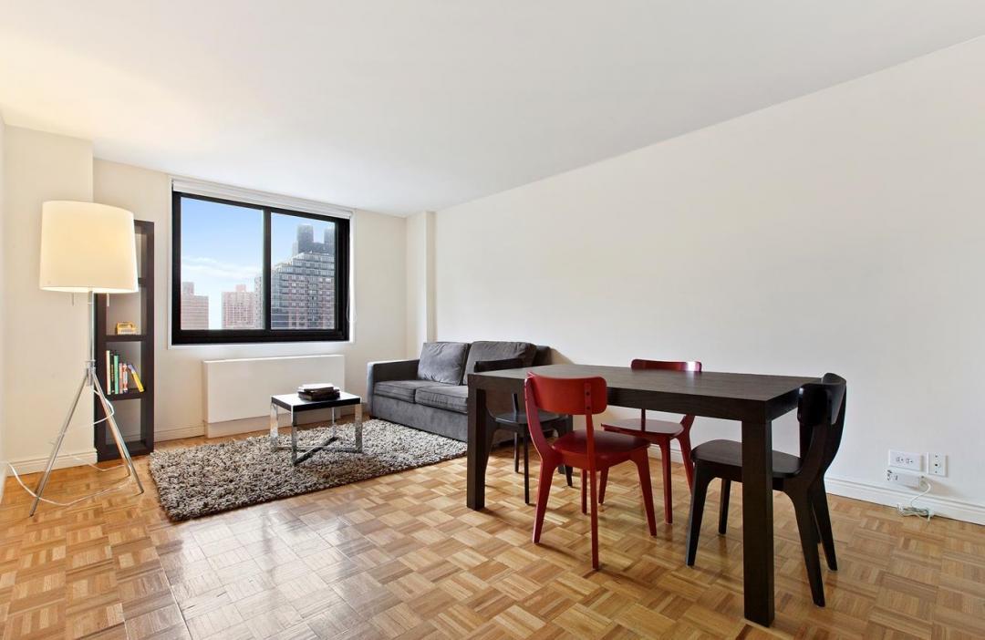 Livingroom at 182 East 95th Street in Upper East Side