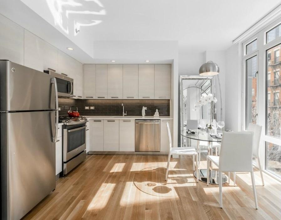 Open Kitchen at 501 East 74th Street in Manhattan - Apartments for rent