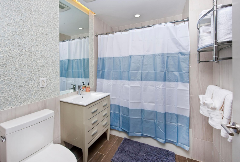Apartments for rent at 40 North 4th Street in Brooklyn - Bathroom