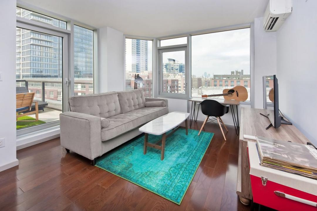 Rentals at 40 North 4th Street in Brooklyn - Living Room