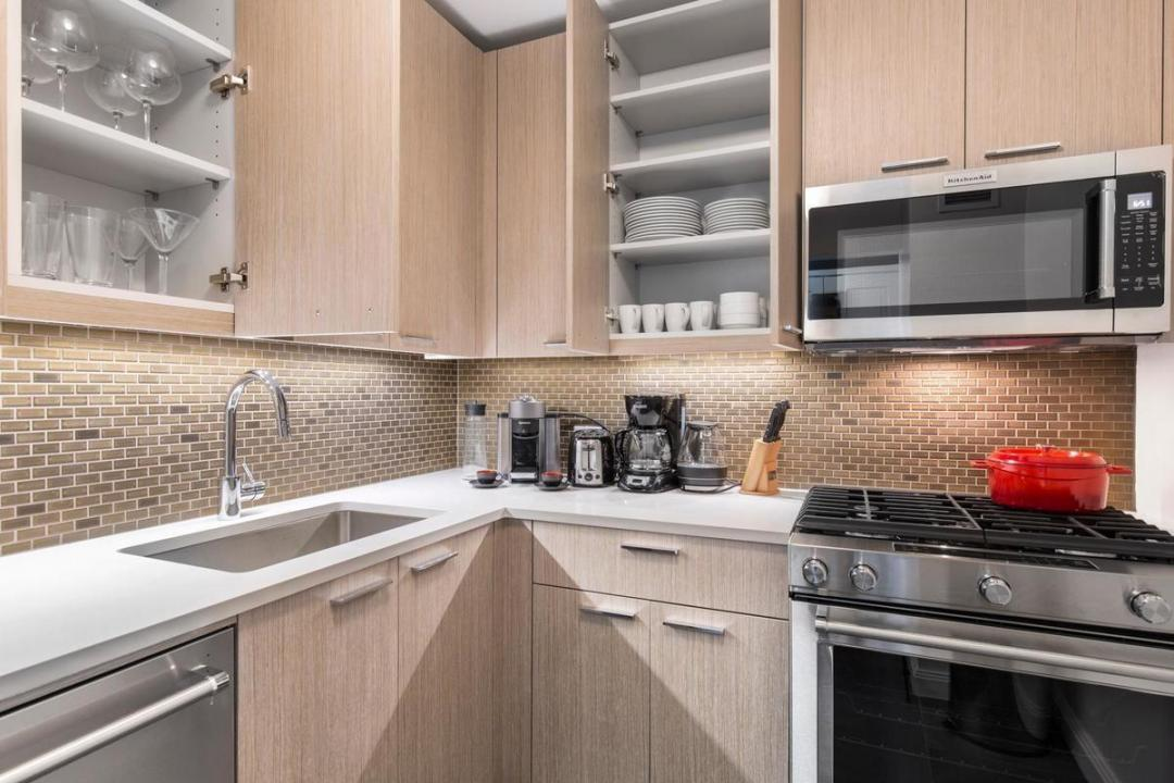 Tribeca Tower rental building Kitchen - NYC Flats