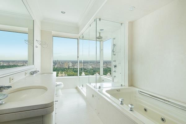 Apartments for rent at 3 Trump Palace - Bathroom