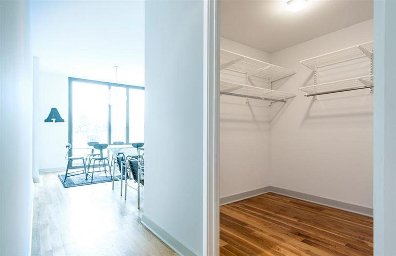Walk-In Closet 64 Bayard Street - Rentals Brooklyn