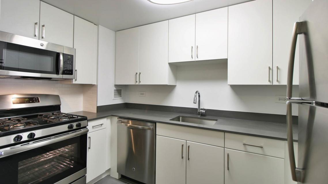 505 West 54th Street Kitchen - Manhattan Rental Apartments