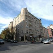 1 Bank Street Building - Greenwich Village apartments for rent