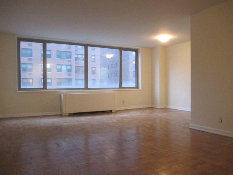 160 East 84th Street Living Room - Upper East Side Rental Apartments