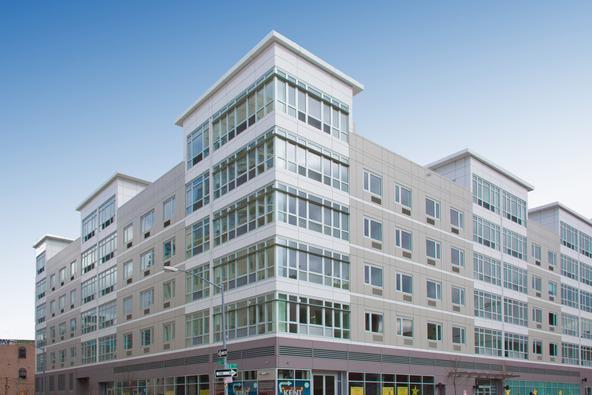 Building - 175 Kent Avenue - Williamsburg - Brooklyn Rentals