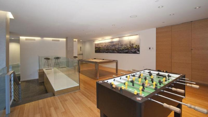 Apartments for rent at 303 East 33rd Street - Lounge
