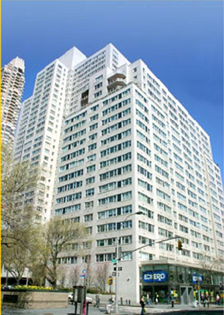 215 East 68th Street Building - Upper East Side apartments for rent